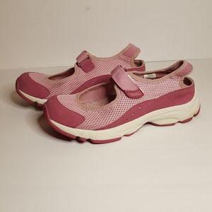 Women's L.L. Bean Velcro Mary Jane shoes